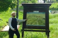 guida archeologo a castello di Momtecopiolo